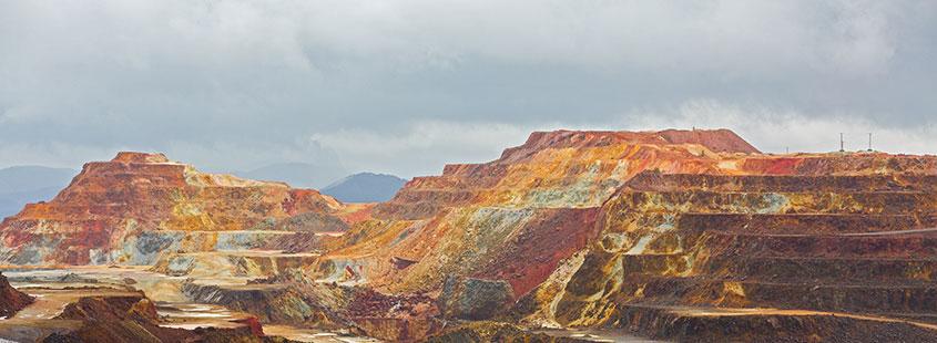 copper-mine-open-pit-in-Rio-Tinto,-Spain